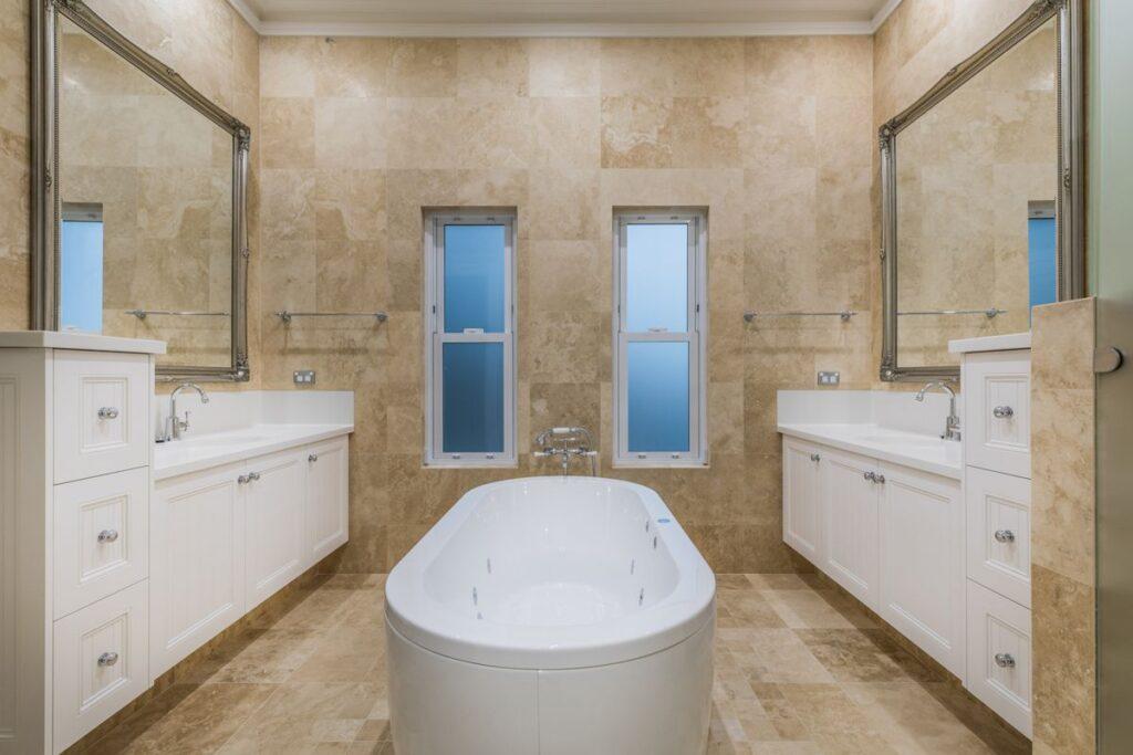 159CirceCircle-Bathroom