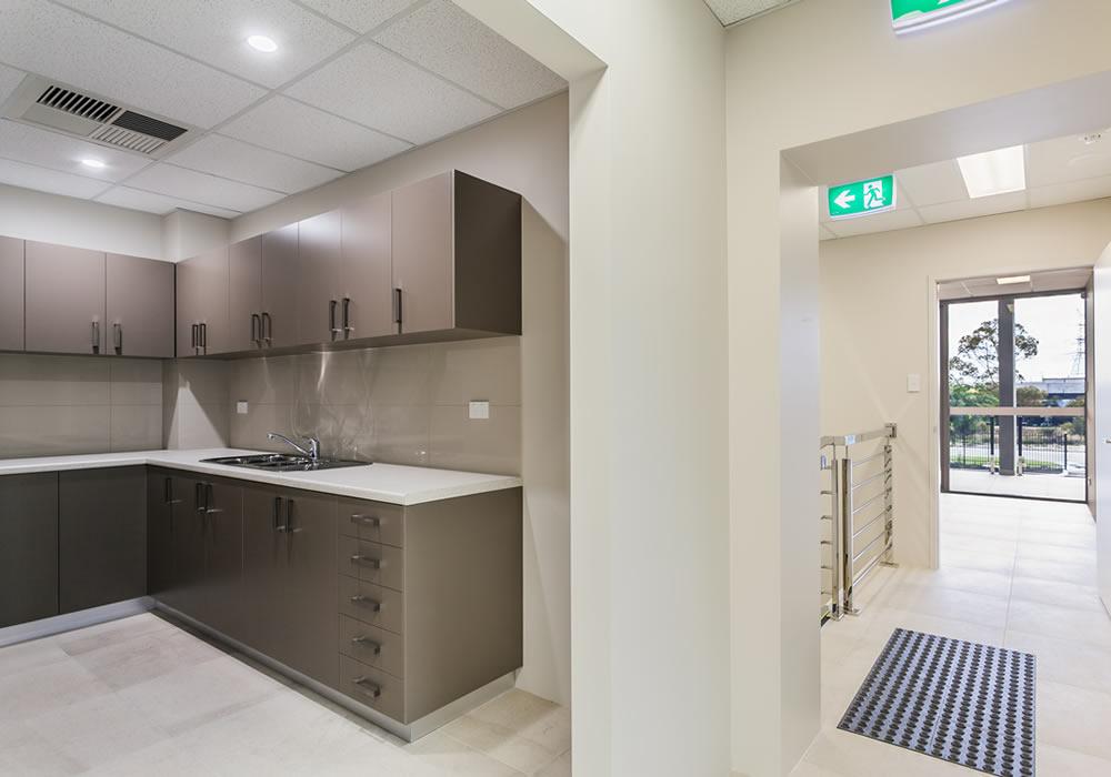 Austlift 42 - Kitchen3
