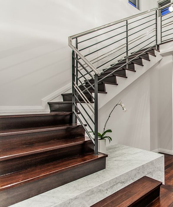 Narrow Lot - Stairs